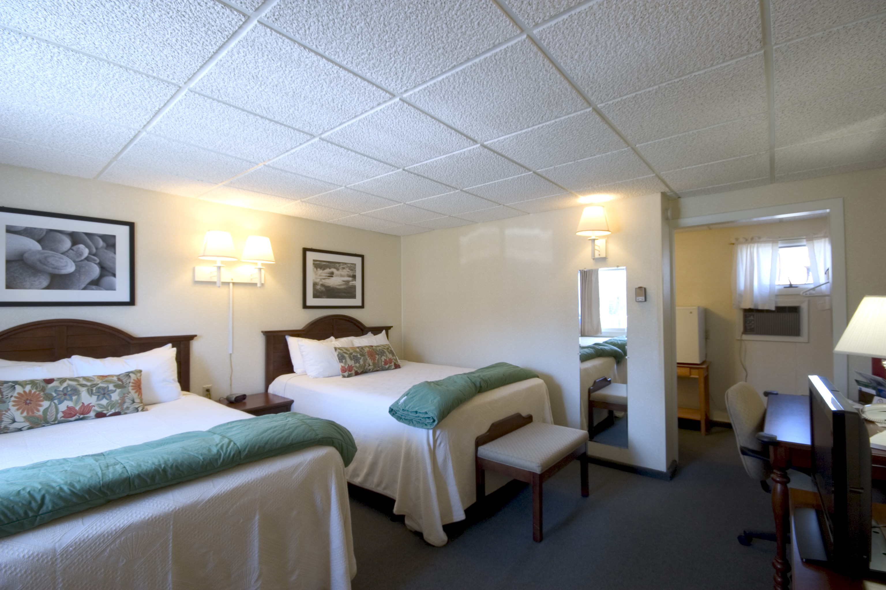 Town Motel - Rooms 3,4,7,8