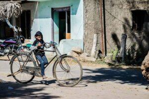हमारे जमाने में साइकिल तीन चरणों में सीखी जाती थी 90s Kids