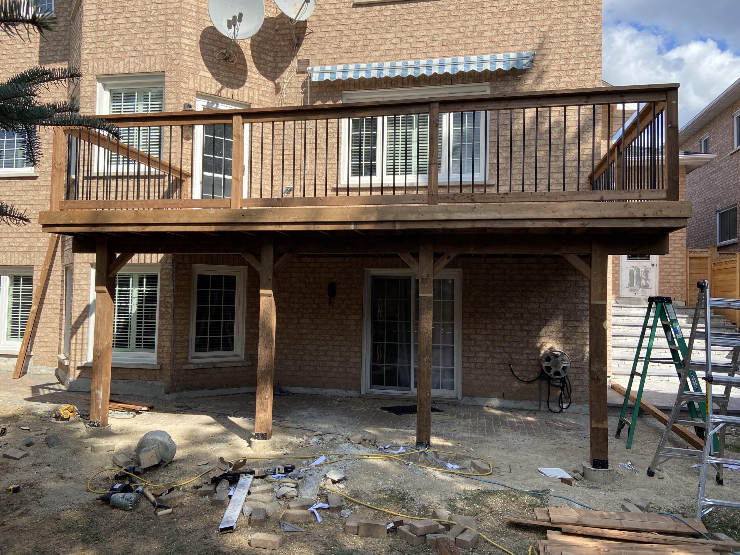 Markham Deck Builder