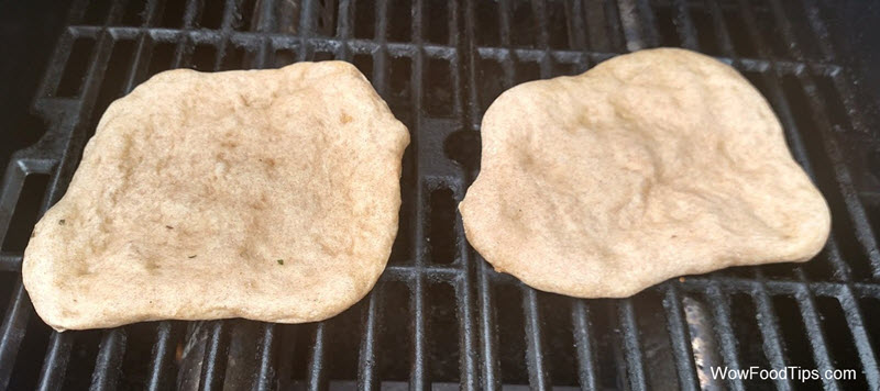 pizza crust on grill