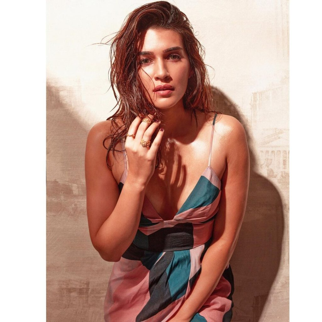 kriti sanon hot