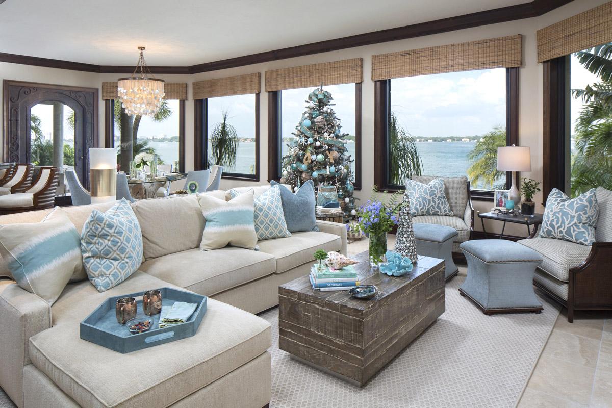 Coastal Home - Living Room - Florida Design