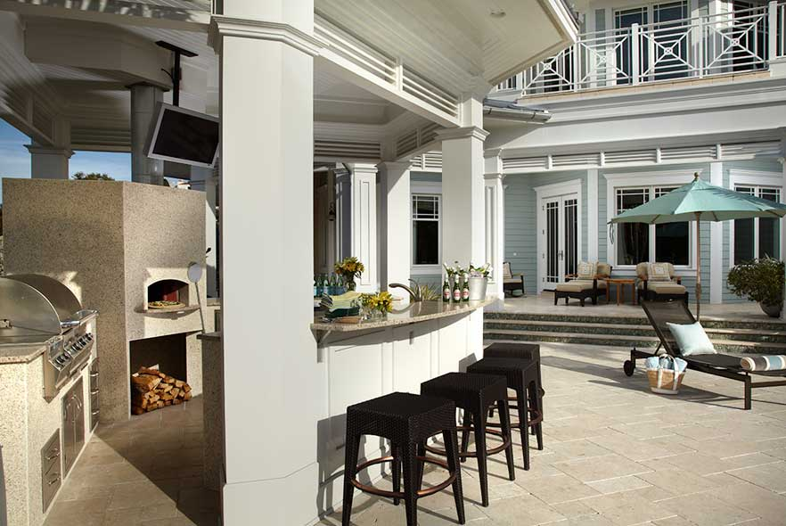 Outdoor Kitchen - Traditional Design