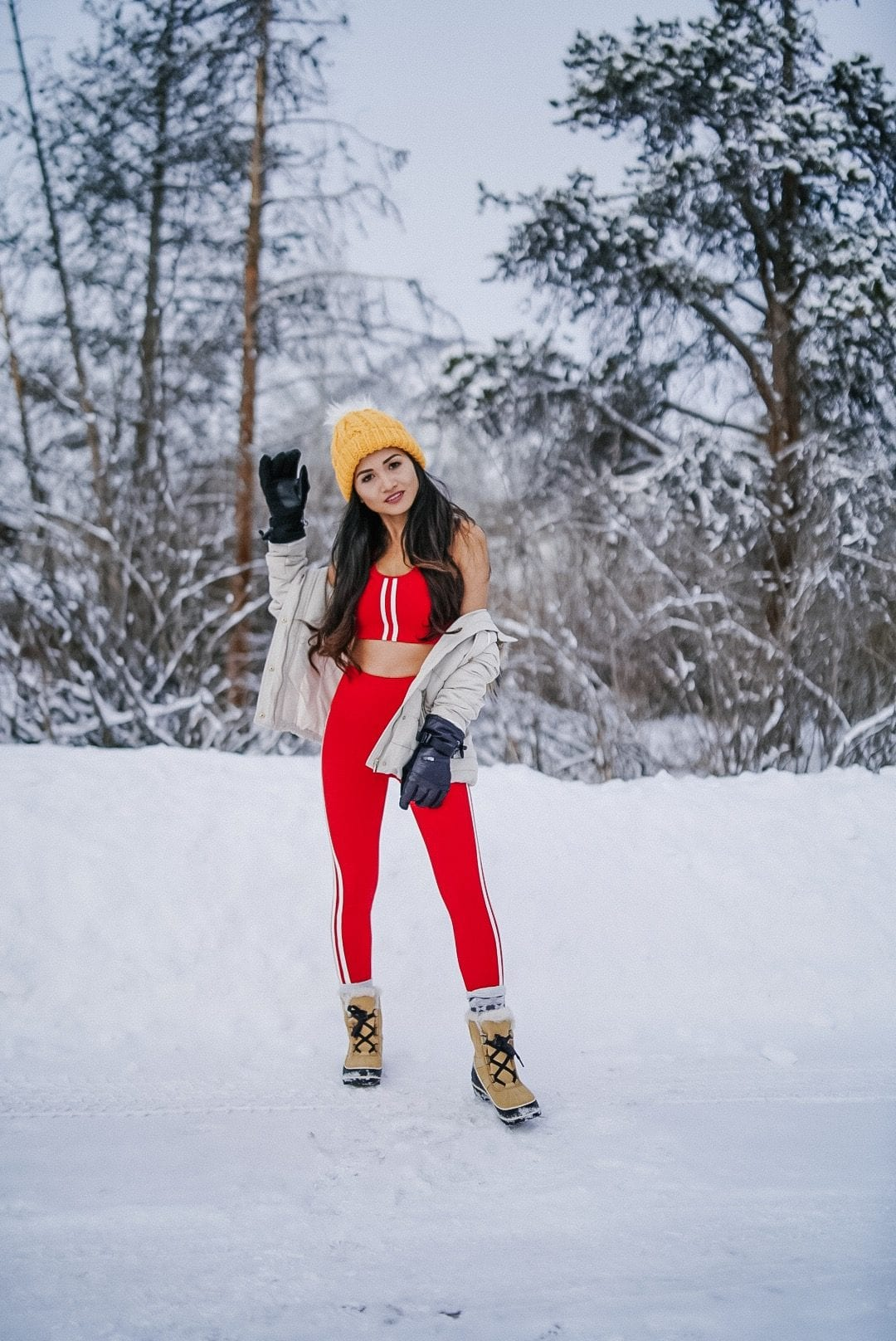 ski clothes, snowboarding outfit, winter workout outfit, fitness style
