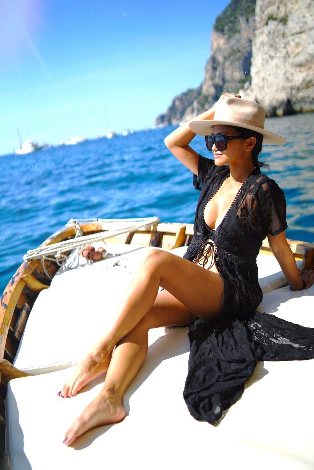Capri boat tour, Capri blue boat, black bikini, black bikini cover