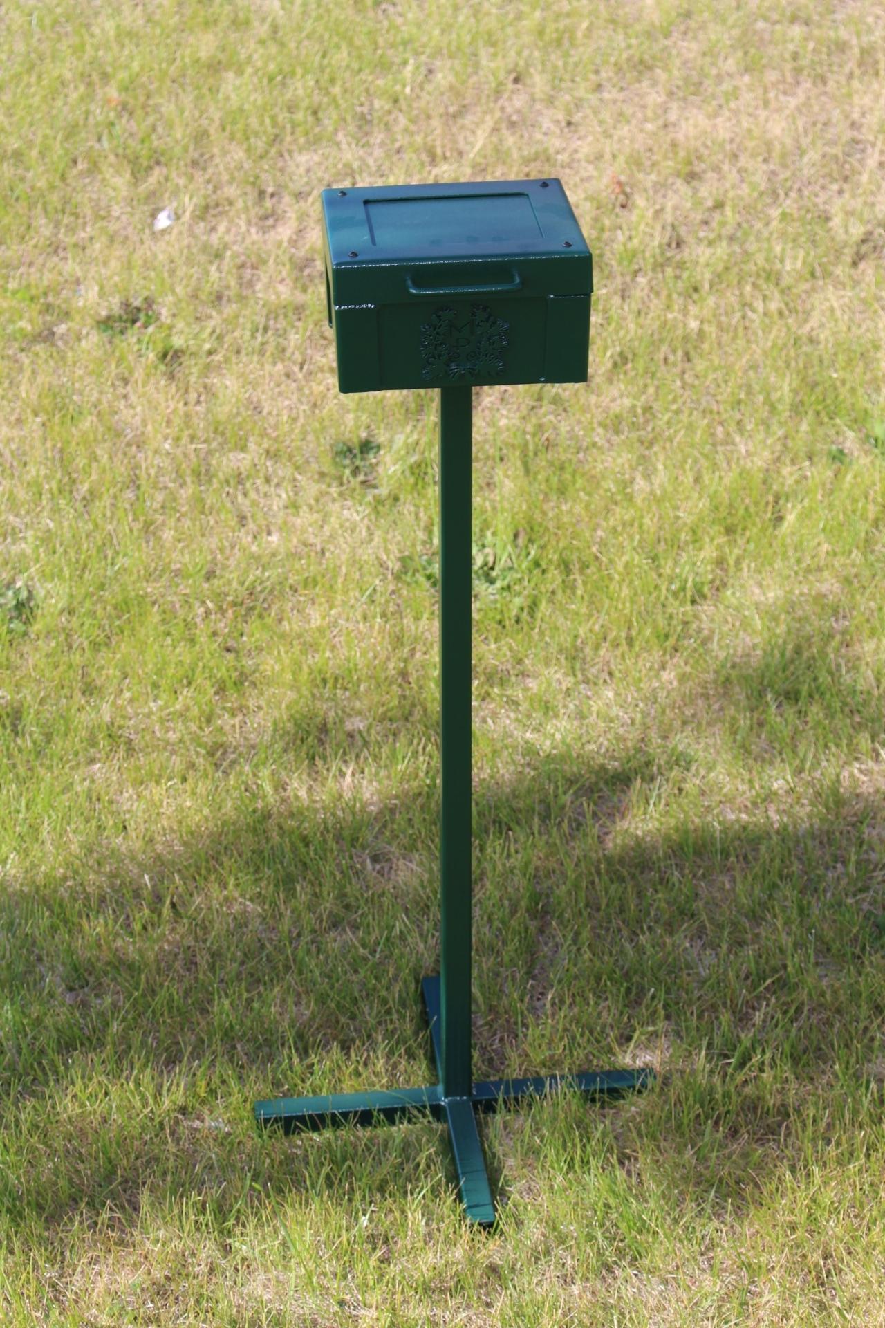 SCORECARD BOX WITH STAND