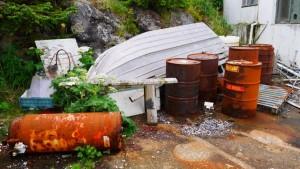 Photo of old barrels at five finger lighthouse.