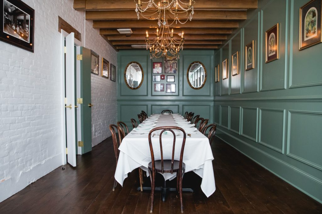 Tujagues-event-dining-room