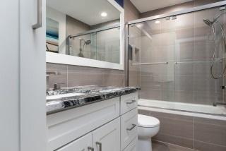 North Kansas City - Bathroom Remodeling
