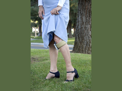 Woman wearing WalkAide  - unit available at Sunshine Prosthetics and Orthotics in northern NJ