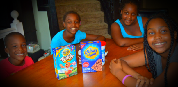 How Honey Maid Helps My Crew Make Magic Out of Family Fun Time #ThisIsWholesome #SchoolSnackSurprises#spon