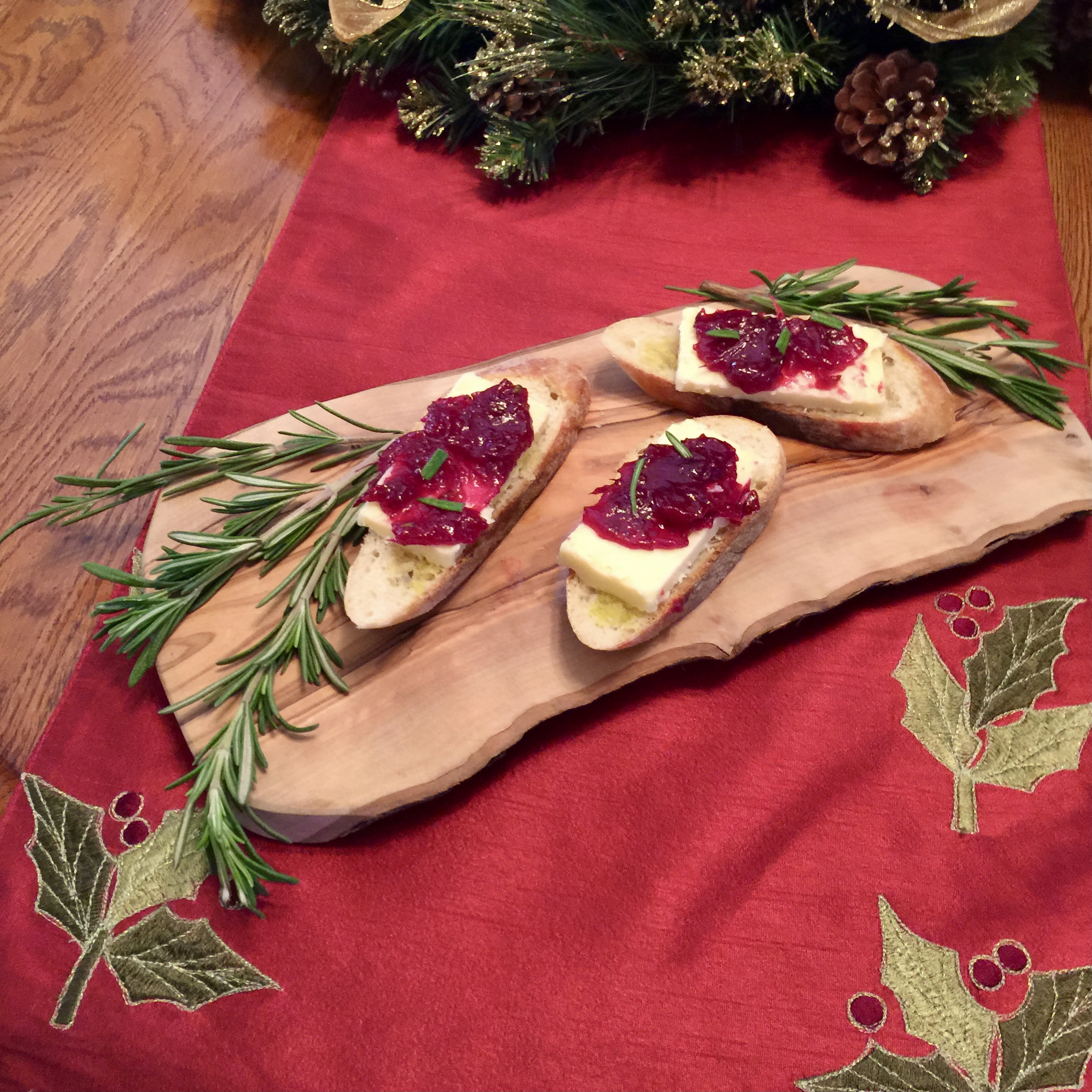 Cheddar Cheese and Cranberry Orange Chutney Crostini