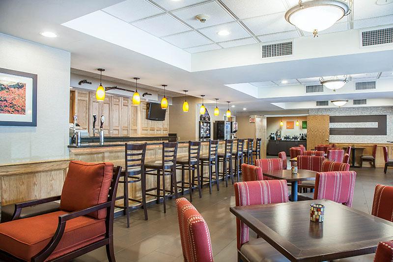 Comfort Inn Sturbridge Lounge
