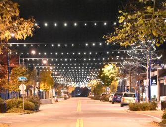 Cloverdale Lights Up