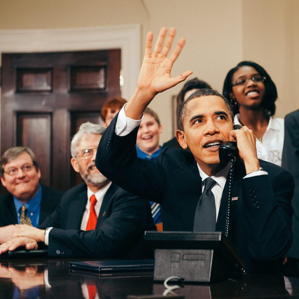 history-in-hd-Obama Phone-unsplash