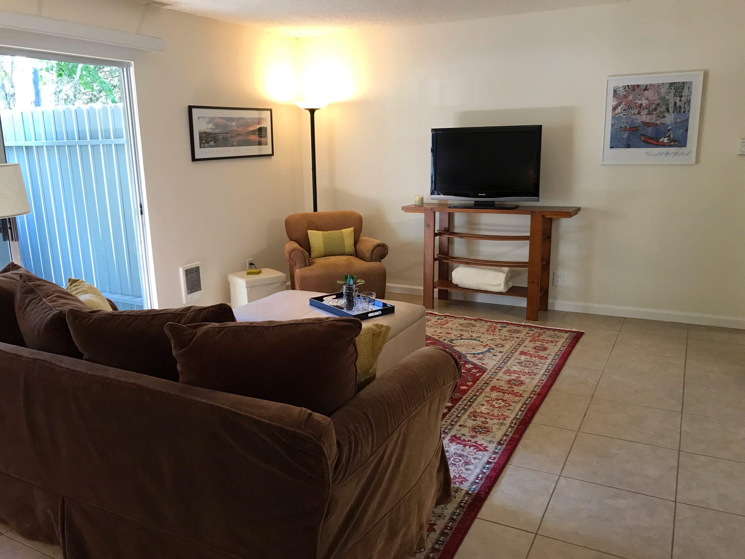 Geoffrey - Living Room