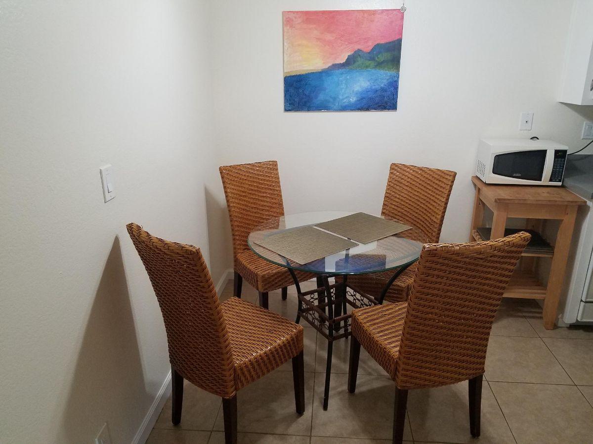 Geoffrey - Dining Room