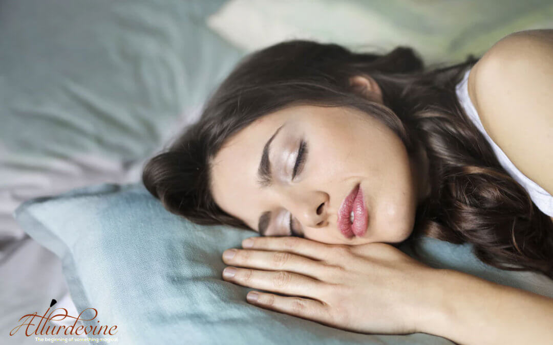Here's Why Sleeping In Make Up is Bad For Your Skin Health