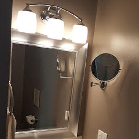 Private suite Mirror | 1922 Starkey House B&B Inn | Finger Lakes, New York