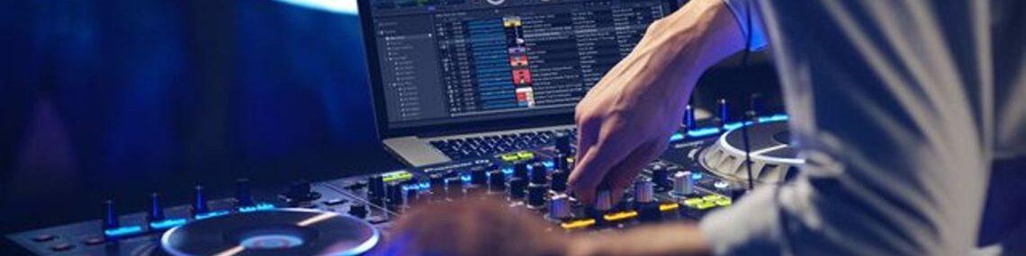 Houston DJ, DJs in Houston, Bilingual DJ, Latino DJ, Spanish DJ, Hispanic DJ, Sonido, DJ Sammy, Pinoneer, Denon, Newmark Turntables, Mixers, Controller, Awesome Event Pros, Awesome Music Entertainment, AME DJs, Sonido DJ Sammy de Houston