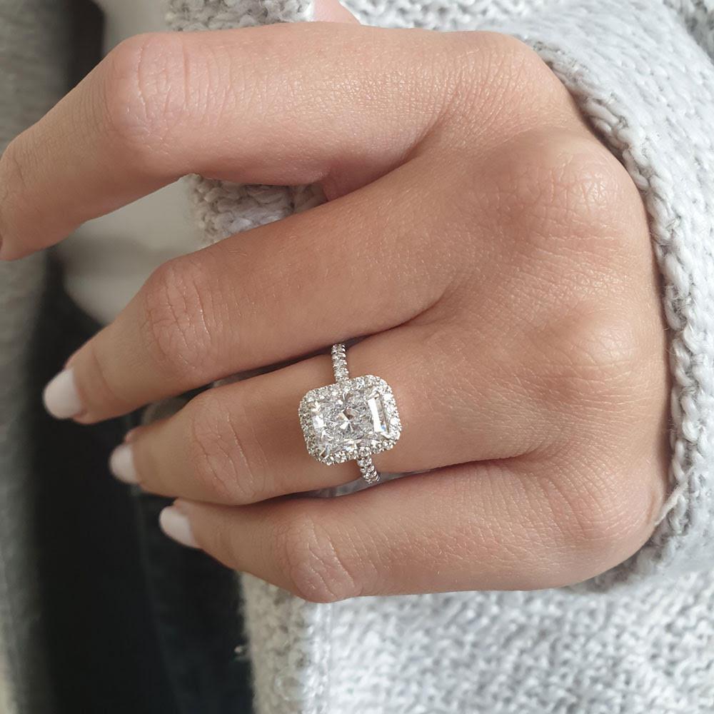 flattering jewelry