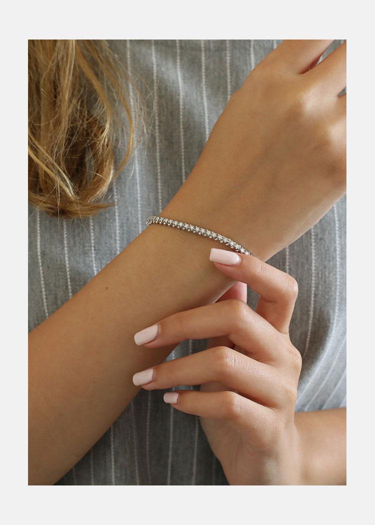 Tennis bracelet illusion