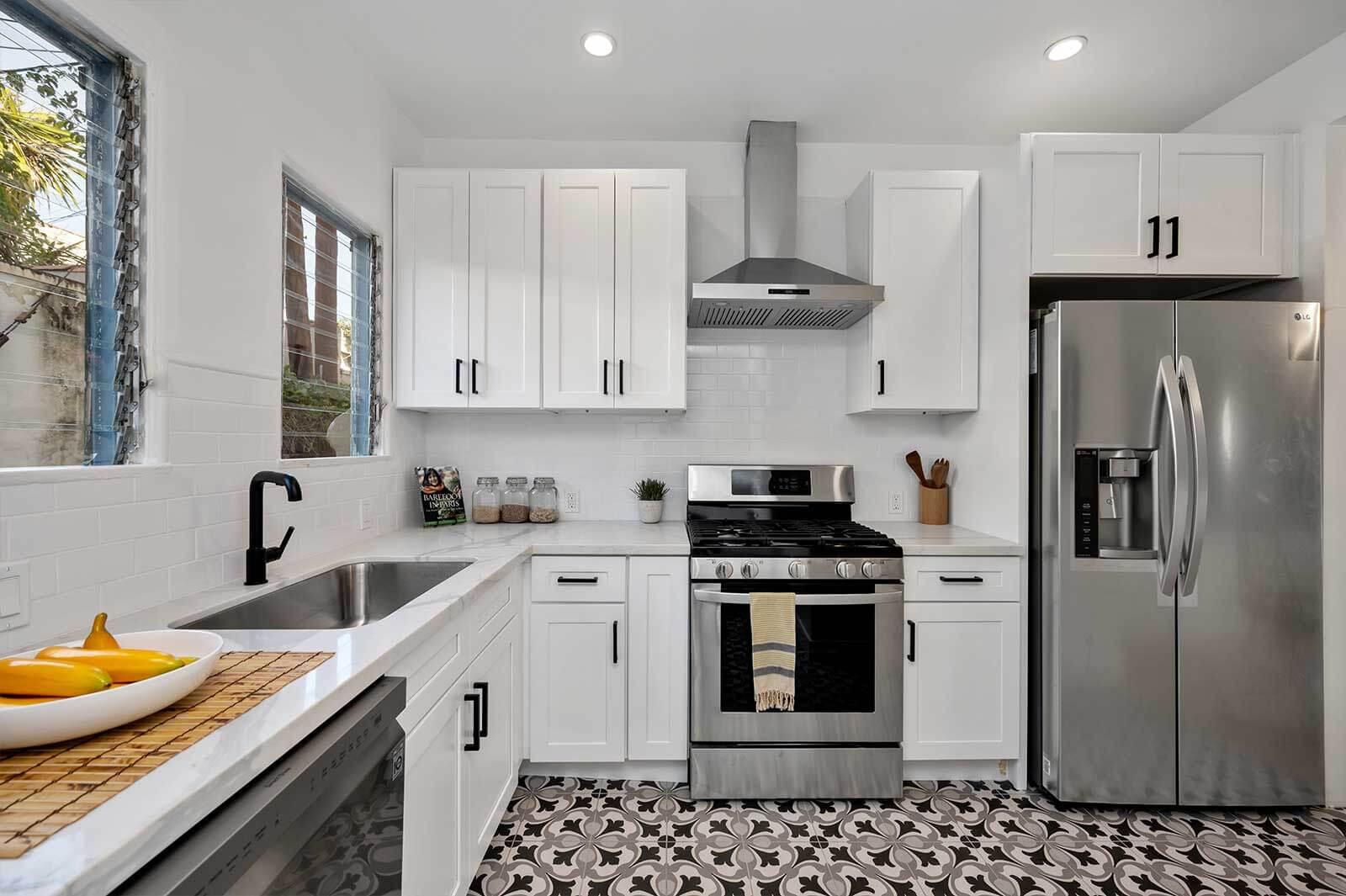 The Hayworth: Carey Grant Suite-Kitchen