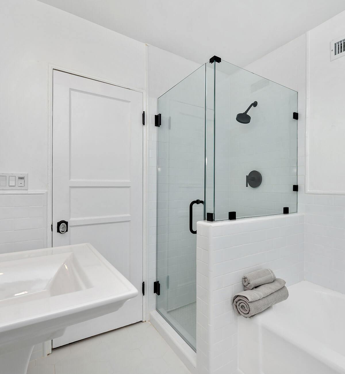 The Hayworth Interior: Bathroom