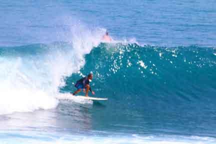 Cameron-instructor-advanced-Surf-coaching-NextLevel-Surfcamp-Bali.jpg