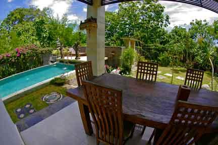 Dining-NextLevel-Surfcamp-Bali-1.jpg