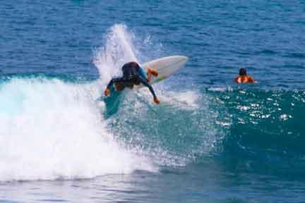 Erik-instructor-advanced-surf-coaching-Uluwatu.jpg