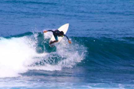 Erik-instructor-advanced-surf-coaching-Uluwatu-NextLevel-Surfcamp-Bali.jpg
