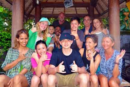 Intermediate-Surf-coaching-group-NexLevel-Surfcam-Bali.jpg
