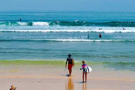 Intermediate-Surfers-Balangan-Beach-NextLevel-Surfcamp-Bali
