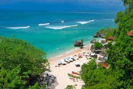 Padang-Padang-beach-NextLevel-Surfcamp-Bali