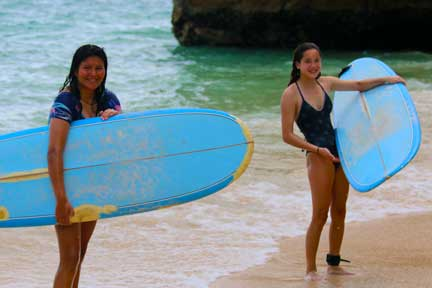 Padang-rights-surf-lesson-NextLevel-Surfcamp-Bali-3.jpg