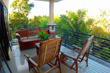 Penthouse-Balcony-4-NextLevel-Surfcamp-Bali.jpg