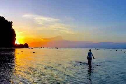 Sunset-at-Padang-Padang-NextLevel-Surfcamp-Bali-2.jpg