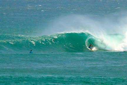 Nusa-Dua-advanced-surf-coaching-Setting-Up-for-Barrel