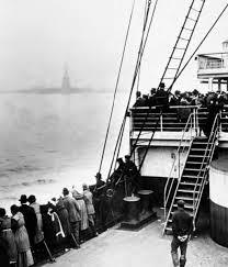 boat & statue Liberty