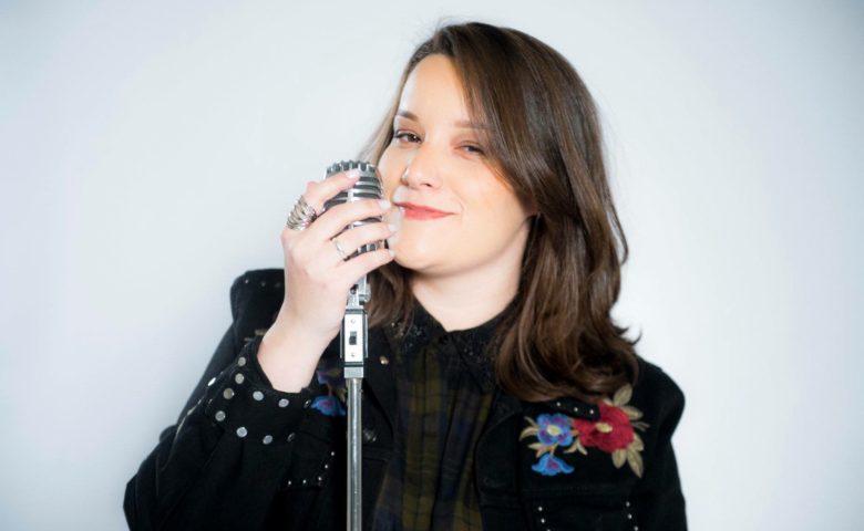 Gika Bacci no The Voice Brasil: uma mulher lésbica na Globo