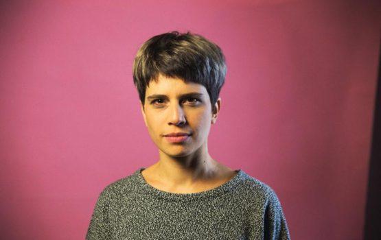 Trilha sonora de espetáculo chileno vira música nas mãos de Mariá Portugal