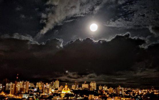 Música e entrevista: o que a Lua Cheia vem nos dizer?