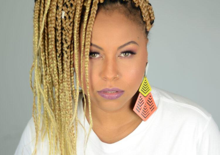 """Revelação do R&B e neo soul, AYA faz faixa-a-faixa de seu EP de estreia """"Ainda É Tempo"""""""