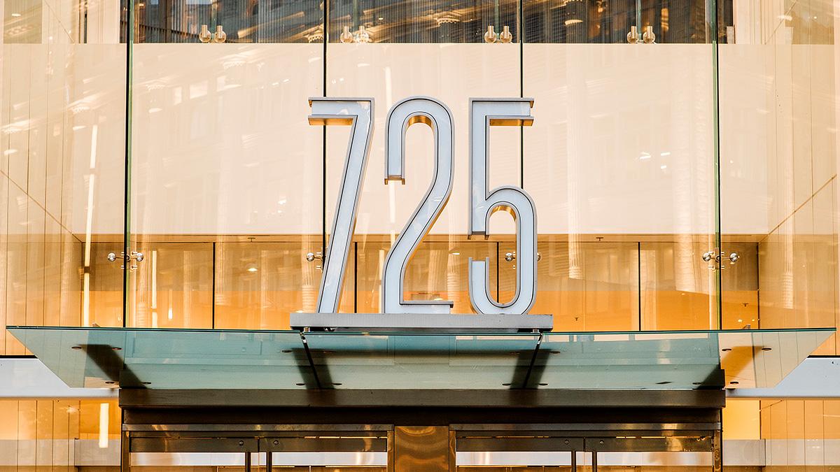 接受挑战:为温哥华市中心的地标商场重新定位品牌