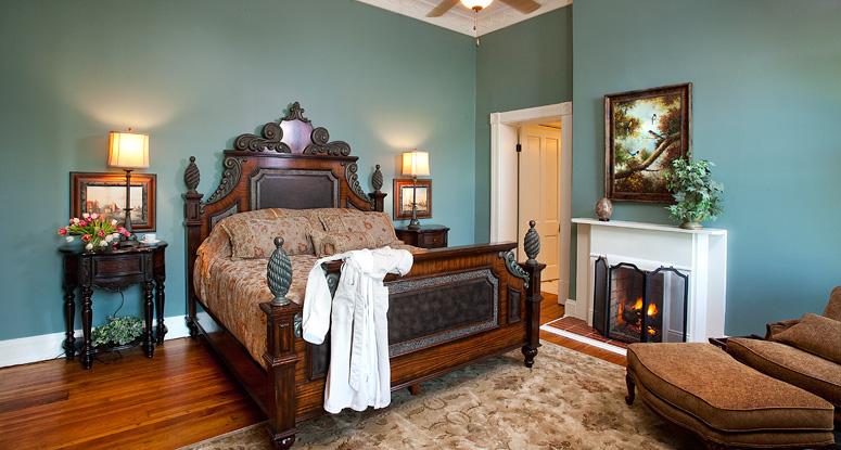 Riverside Inn Bed & Breakfast