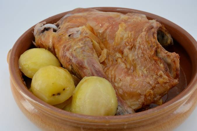 We have already finished the roast lamb with potatoes