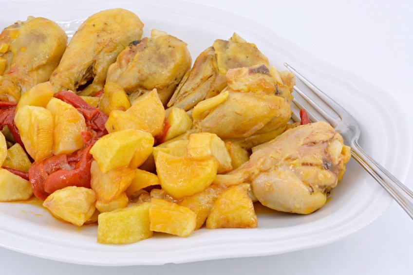 Chicken with peppers and chips