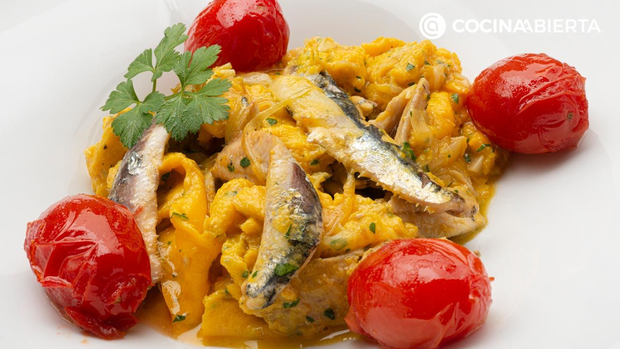 scrambled eggs with anchovies