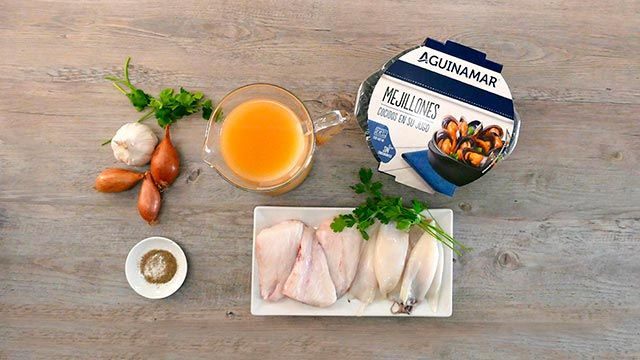 Fish soup with squid and mussels - ingredients